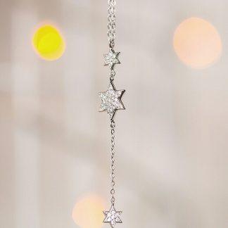 Zilveren ketting met davidsterren